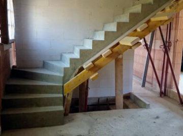Création d'un escalier en béton dans l'oise