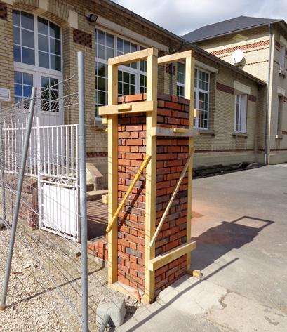 construction d'un pilier en briques