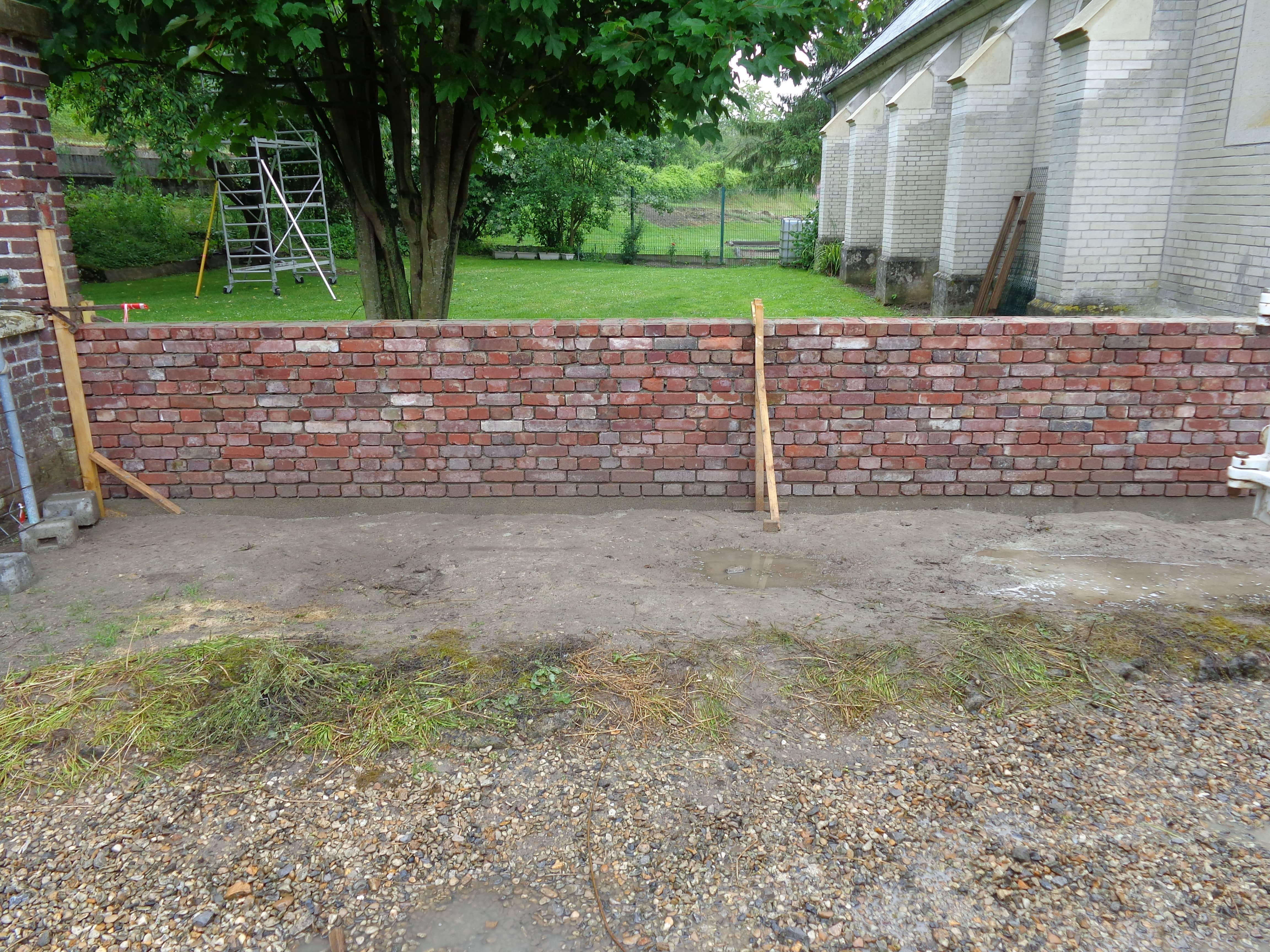 construction mur de cl ture en brique kamminga ma onnerie. Black Bedroom Furniture Sets. Home Design Ideas